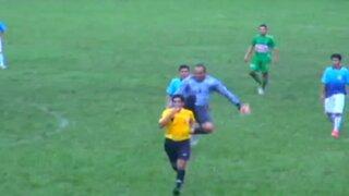 Copa Perú: árbitro recibe brutal patada en la espalda