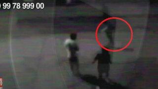 WhatsApp: niños pandilleros se enfrentan a pedradas en el Callao