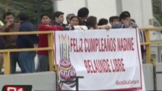 Vía Expresa: enfrentamiento por pancarta con mensaje a Nadine Heredia