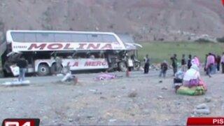 Choque entre bus y tráiler deja cuatro muertos en Pisco