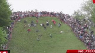 Inglaterra: así fue la divertida competencia de la 'rueda de queso'