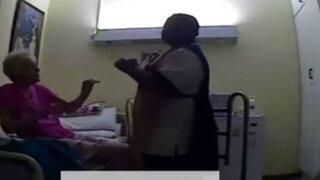 Impactantes imágenes: enfermera de asilo golpea sin piedad a una anciana