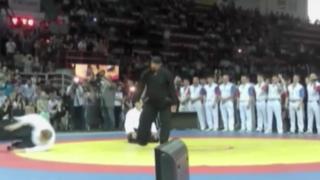 Rusia: actor Steven Seagal se lució en demostración de artes marciales