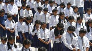 Miles de niños retornan a clases tras devastador terremoto en Nepal