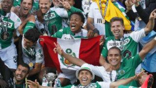 André Carrillo festejó con la bandera peruana el título de la Copa Portugal