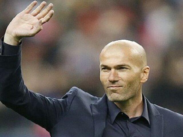 Zinedine Zidane obtuvo licencia de entrenador para dirigir en Primera División