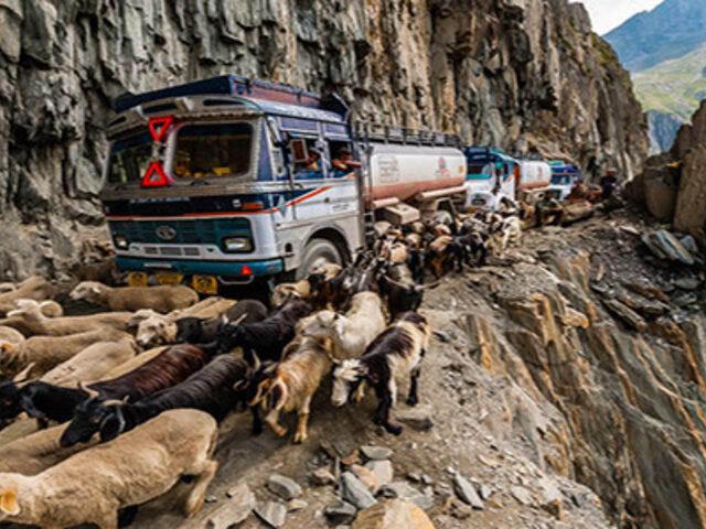 FOTOS : las 8 carreteras más extremas y peligrosas del mundo