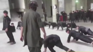 Difunden imágenes de adolescente sirio que es torturado por miembros de Estado Islámico