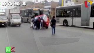 WhatsApp: choque entre bus del Metropolitano y mototaxi casi termina en tragedia