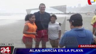 Imágenes exclusivas: Expresidente Alan García se dio un chapuzón en playa barranquina