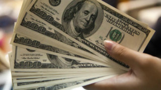 Precio del dólar se mantiene fluctuante en los últimos días