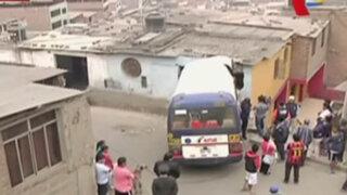 Independencia: custer se empotra contra casa dejando dos heridos