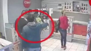 VIDEO: banda asalta tienda de celulares y se lleva sofisticados equipos