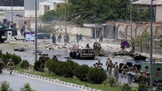 Ataque suicida contra parlamento de Afganistán deja siete muertos y varios heridos