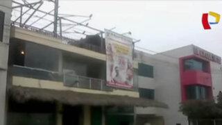 Extorsionadores atacan con bombarda restaurante en Ate