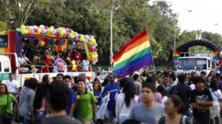 Marcha del Orgullo Gay reunió a cientos de personas en el Centro de Lima