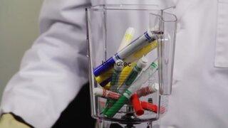 Mira lo que pasa cuando intentas mezclar marcadores en una licuadora