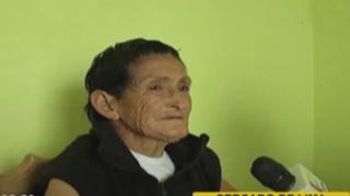Cercado de Lima: rescatan a mujer que vivía en la calle con sus 14 perros