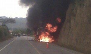 Grupo 5 salva de morir tras incendiarse su bus en Chiclayo