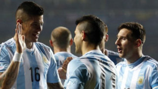 Bloque Deportivo: Argentina aplastó 6-1 a Paraguay y está en la final