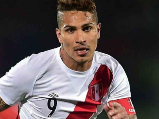 Guerrero colgó bandera peruana en la ventana de su cuarto previo al choque con Colombia