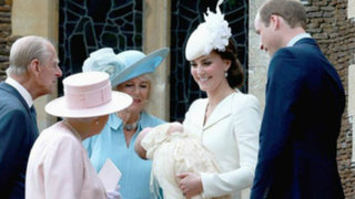 Reino Unido: duques de Cambridge celebraron bautizo de princesa Charlotte
