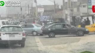 WhatsApp: pista en pésimas condiciones genera caos vehicular en Los Olivos