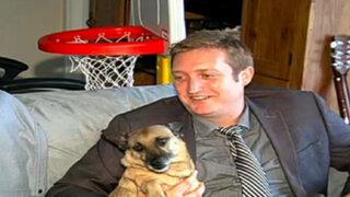Hombre que quería 'casarse con su perro' fue despedido de su trabajo