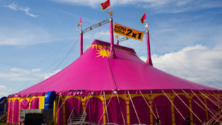 VIDEO: acróbata grave tras caer de unos 7 metros durante show de circo