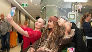 Australia: Johnny Depp visitó hospital para niños vestido de 'Jack Sparrow'