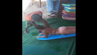VIDEO : adolescente se lanza de tobogán y su terrible caída se vuelve viral