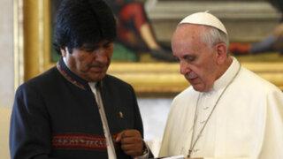Bolivia: Papa Francisco dejó las condecoraciones que le dio Evo Morales