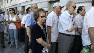Grecia: reabren bancos, pero con restricciones para sus clientes