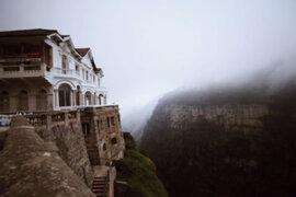 FOTOS: el espeluznante hotel abandonado que esconde un terrible secreto