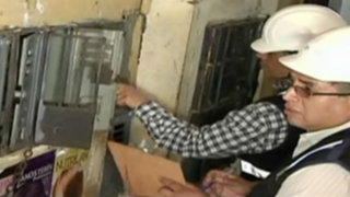 Protestan por abandono de peligrosos medidores de luz de Mesa Redonda
