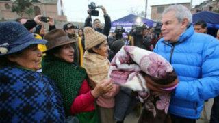 Luis Castañeda llevó ayuda a damnificados por el frío en Ticlio Chico