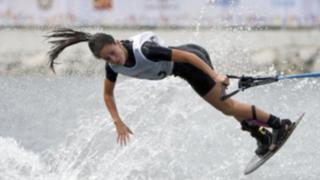 Toronto 2015: Natalia Cuglievan de esquí acuático gana oro para Perú