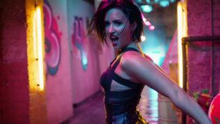 Demi Lovato estrenó atrevido videoclip de 'Cool for the Summer'