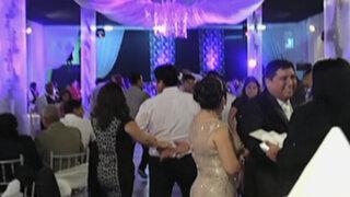 ¡Insólito! Celebran boda en pleno Jirón Junín en Fiestas Patrias