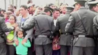 Desfile Militar: transeúntes causan alboroto en Plaza Bolognesi