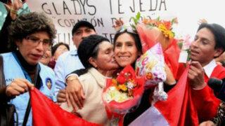 Gladys Tejeda regresó al Perú entre el cariño del público