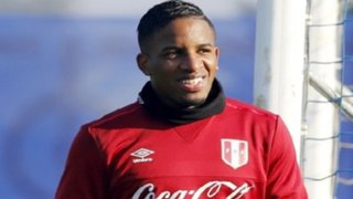 Bloque Deportivo: Farfán viajó a Emiratos Árabes para unirse a Al Jazira
