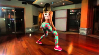 Lexy Panterra: bella instructora de fitness deslumbra con sensual twerking