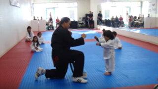 Tiernas imágenes de pequeño karateca arrasa en las redes sociales