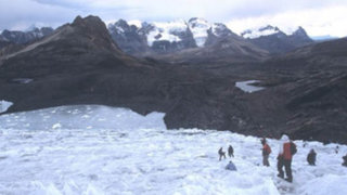 Rescatan cuerpos de montañistas ecuatorianos perdidos en el Huascarán
