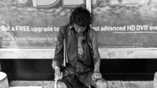 Estados Unidos: mujer encuentra a su padre cuando fotografiaba indigentes