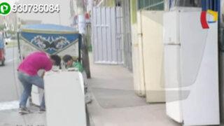 Vecinos denuncian que comercios ocupan vereda en San Martín de Porres