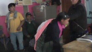 Ronderos de Cajamarca castigaron a latigazos a pareja de infieles