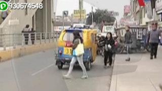 Mototaxis se apoderan de veredas y pistas en San Juan de Miraflores