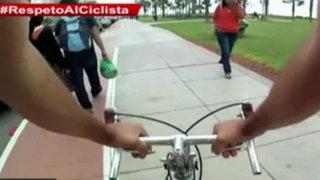No sólo autos, los peatones también invaden ciclovías en Lima